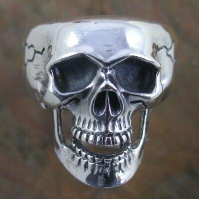 Sterling Silver Ring - Heavy Skull